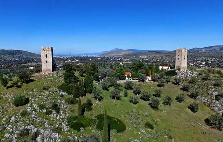 Οι άγνωστοι Δίδυμοι Πύργοι της Ελλάδας και η ιστορία με τον ερωτευμένο ιππότη