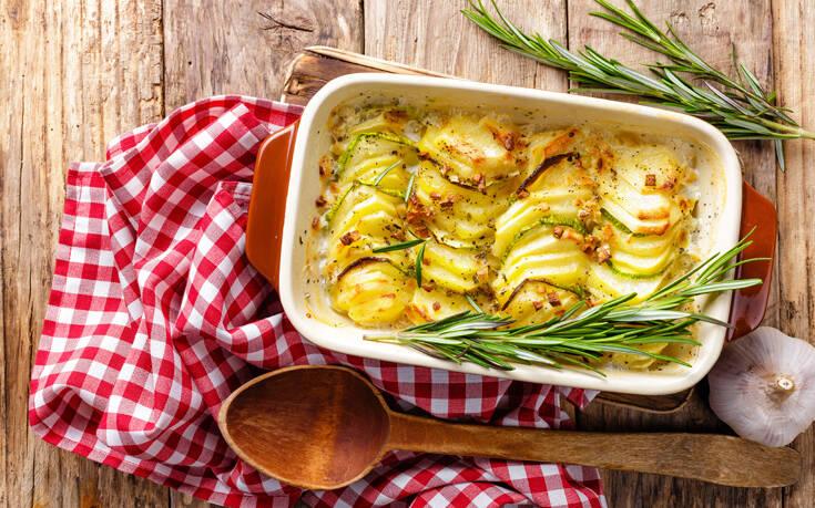 Πατάτες ογκρατέν με τσένταρ και θυμάρι – Newsbeast